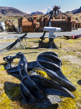 AN02MZW0121 Claw to drag whales onto the flensing plan. Grytviken Whaling Station, open to visitors, but most walls and roofs of the factory have been demolished for safety reasons. South Georgia Island