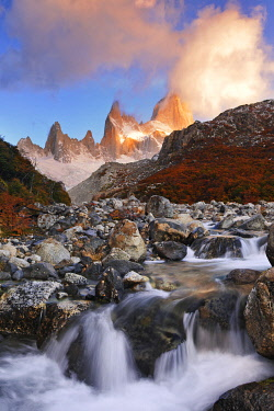 SA01BJY0004 Argentina, Patagonia, Los Glaciares National Park. Mount Fitz Roy and Rio Blanco river at sunrise