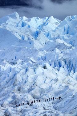 SA01DWA0088 Hikers on Perito Moreno Glacier, Parque Nacional Los Glaciares, Patagonia, Argentina