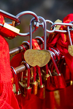 AS07DPB0168 Love Locks, Mt. Huashan, Xian, Shaanxi Province, China