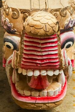 AS07KSU2318 Renovating project at Litang Monastery (Changchunkeersi), new dragon wood carving, Litang, western Sichuan, China