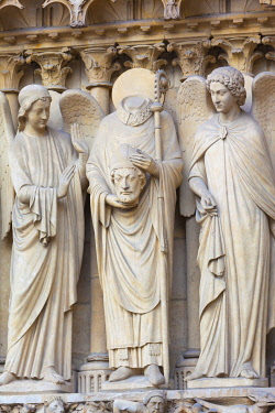 FRA11501AWRF France, Paris, Notre Dame Cathedral, detail of statues on facade