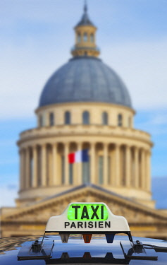 FRA11445AW France, Paris, Latin district, the Pantheon with taxi infront