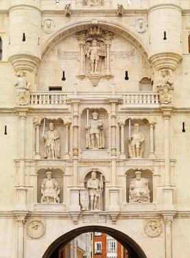 SPA9306AW Spain, Castile and Leon, Burgos, Santa Maria Gateway