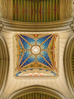 SPA9330AW Spain, Madrid, Almundena cathedral, view of ceiling
