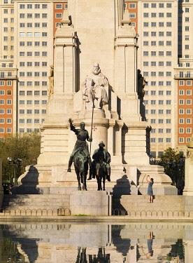 SPA9336AW Spain, Madrid, Plaza de Espana, Sculptures of Cervantes, Don Quixote and Sancho Panza (MR)