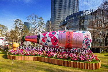 JAP1703 Asia, Japan, Tokyo, Roppongi Mid town, Chandon Blossom Lounge during spring festival