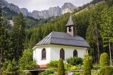 IBXHAU03968698 Sunneschlossli Chapel, Tannheim Valley, Tyrol, Austria, Europe