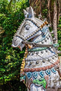 IBXMMW03920265 Decorated horse statue, temple for the god Madurai Veeran, Mandavi, Tamil Nadu, India, Asia