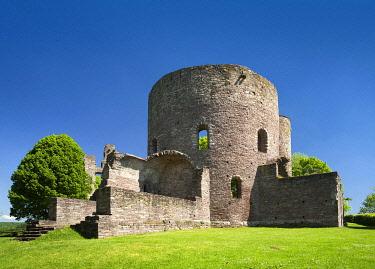 IBLAVI04872400 Castle ruin Krukenburg in Bad Karlshafen-Helmarshausen, Reinhardswald, Weserbergland, Hesse, Germany, Europe