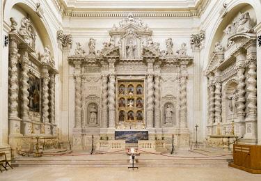 IBLJUN03969616 The Altare degli Angeli Custodi altar, 1700, Chiesa di Sant?Irene church, Leccese Baroque, Lecce, Apulia, Italy, Europe
