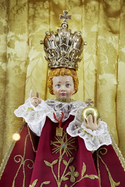 IBLKAS03908316 Baby Jesus with crown and orb, children's doll in a Sicilian Baroque church, Palermo, Sicily, Italy, Europe