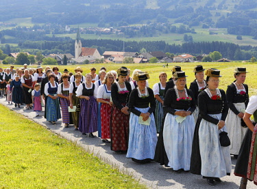 IBLMAN03930204 Corpus Christi procession, Torwang, Samerberg, Chiemgau, Upper Bavaria, Bavaria, Germany, Europe