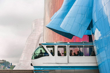 IBLMMW04867259 Monorail train runs through the Museum of Pop Culture, MoPOP, architect Frank Gehry, Seattle, Washington, USA, North America