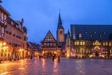 IBLPSF04871360 Market square with town hall and market church St. Benedikti at dusk, Quedlinburg, Saxony-Anhalt, Germany, Europe