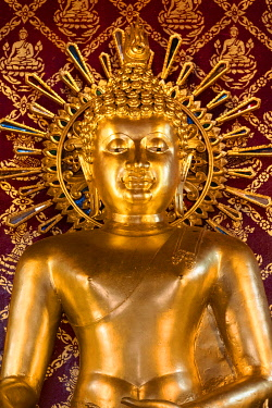 IBLSBE04875319 Golden Buddha Statue in Wat Phra Singh, Phra Buddha Sihing, Chiang Rai, Chiang Rai Province, Northern Thailand, Thailand, Asia