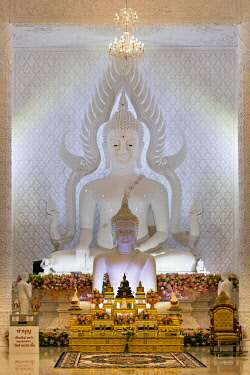 IBLSBE04875413 Buddha statues in the white prayer hall, Wat Huay Pla Kang Temple, Chiang Rai, Northern Thailand, Thailand, Asia