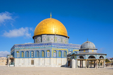 ISR1727AWRF Exterior view of Dome of the Rock and Dome of the Chain on Temple Mount, Jerusalem, Israel