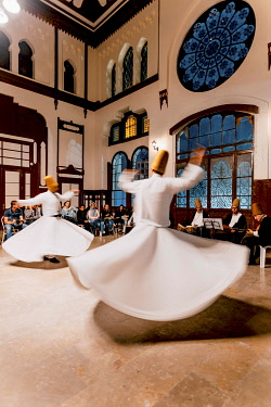 TUR1111AW Whirling Dervishes dancing the Sema, a Dervish dance, Sirkeci Oriente Express Railway Station, Istanbul, Turkey, Istanbul, Istanbul Province, Turkey