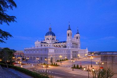 ES01179 Exterior of Almudena Cathedral, Madrid, Spain