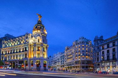 ES01201 Metropolis Building at Dusk, Madrid, Spain