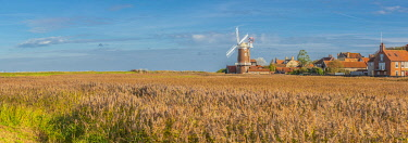 UK739RF UK, England, East Anglia, Norfolk, Cley, Cley Windmill