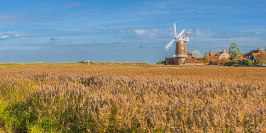 UK740RF UK, England, East Anglia, Norfolk, Cley, Cley Windmill