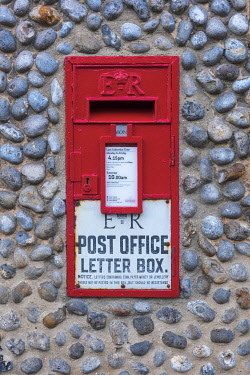 UK744RF UK, England, East Anglia, Norfolk, Cley, Letterbox