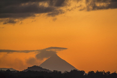 CR33272AW Arenal volcano at sunset, La Fortuna, Alajuela Province, Costa Rica