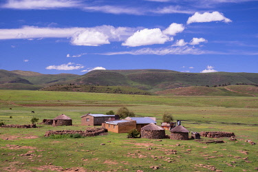 LES1205AW Lesotho, Maseru District, Semonkong, landscape