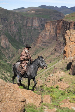 LES1206AW Africa, Southern Africa, Maseru District, Lesotho, Semonkong, Canyon