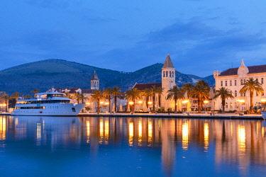 CR098RF Trogir Harbour, Trogir, Dalmatian Coast, Croatia, Europe