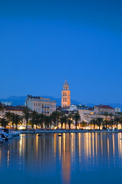 CR103RF Split Harbour with Cathedral of Saint Domnius, Split, Dalmatian Coast, Croatia, Europe