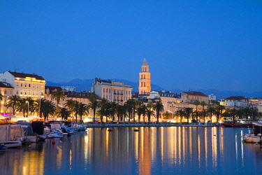 CR115RF Split Harbour with Cathedral of Saint Domnius, Split, Dalmatian Coast, Croatia, Europe