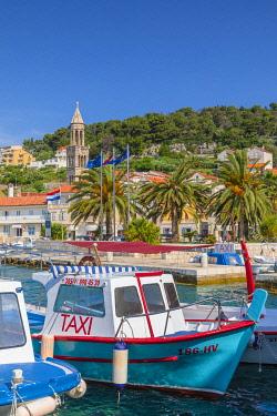 CR07326 Hvar Town and Harbour, Hvar, Dalmatian Coast, Croatia, Europe