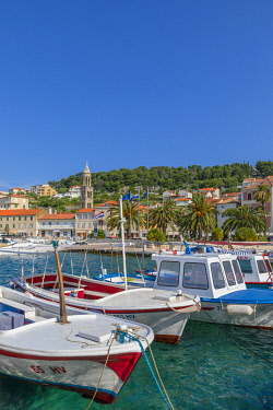 CR07333 Hvar Town and Harbour, Hvar, Dalmatian Coast, Croatia, Europe