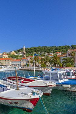 CR07333 Hvar Town and Harbour, Hvar, Dalmatian Coast, Croatia, Europe