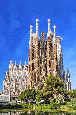 SPA9470AWRF Nativity facade, Sagrada Familia basilica church, Barcelona, Catalonia, Spain