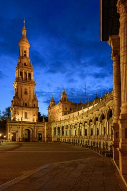 SPA9506AW Spain, Andalusia, Seville, The Plaza de Espana,