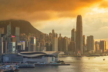 CH12035AWRF Hong Kong Island skyline at sunset, Hong Kong