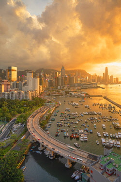 CH12037AWRF Hong Kong Island skyline at sunset, Hong Kong