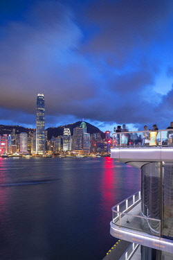 CH12018AW Harbour City deck and skyline at dusk, Hong Kong, China