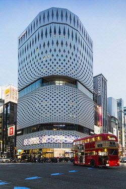 TPX69970 Japan, Honshu, Tokyo, Ginza, Ginza Yonchome Intersection, Ginza Place, The Nissan Building