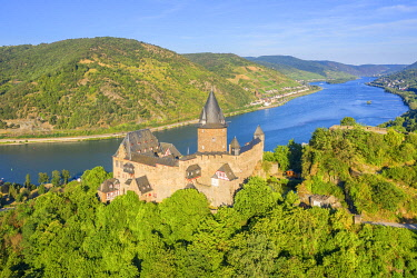 GER11840AWRF Aerial view at Stahleck castle with river Rhine at Bacharach, Rhine valley, Rhineland-Palatinate, Germany