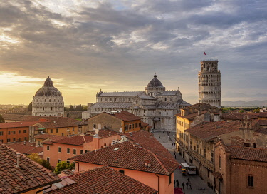 ITA14264AWRF View over Via Santa Maria towards Cathedral and Leaning Tower at sunset, Pisa, Tuscany, Italy