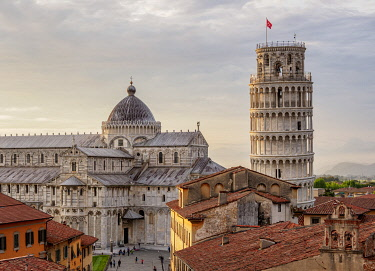 ITA14265AWRF Cathedral and Leaning Tower at sunset, elevated view, Pisa, Tuscany, Italy