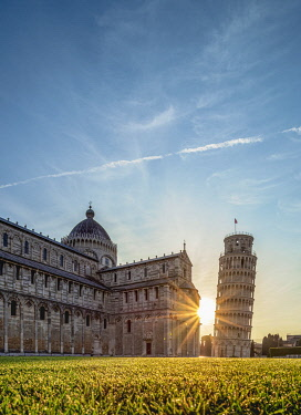 ITA14267AWRF Cathedral and Leaning Tower at sunrise, Piazza dei Miracoli, Pisa, Tuscany, Italy