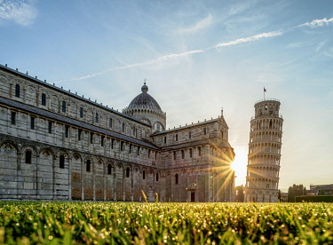 ITA14268AWRF Cathedral and Leaning Tower at sunrise, Piazza dei Miracoli, Pisa, Tuscany, Italy