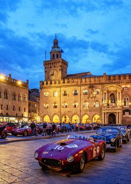 ITA14063AW 1000 Miglia at Piazza Maggiore, Bologna, Emilia-Romagna, Italy