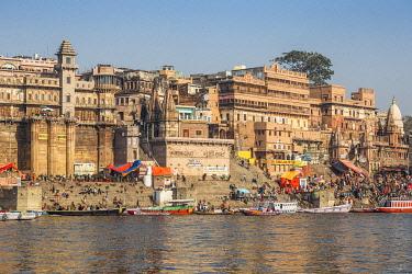 IN405RF India, Uttar Pradesh, Varanasi, View towards Brijrama Palace Hotel at Darbanga Ghat